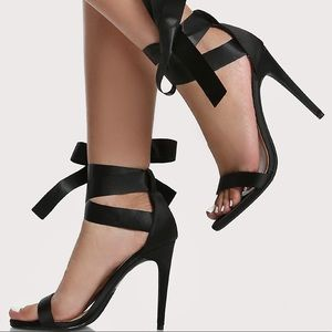 NINA Black Open Toe Lace Up Ribbon Heels 8.5